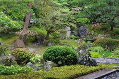 北方文化博物館内の庭園